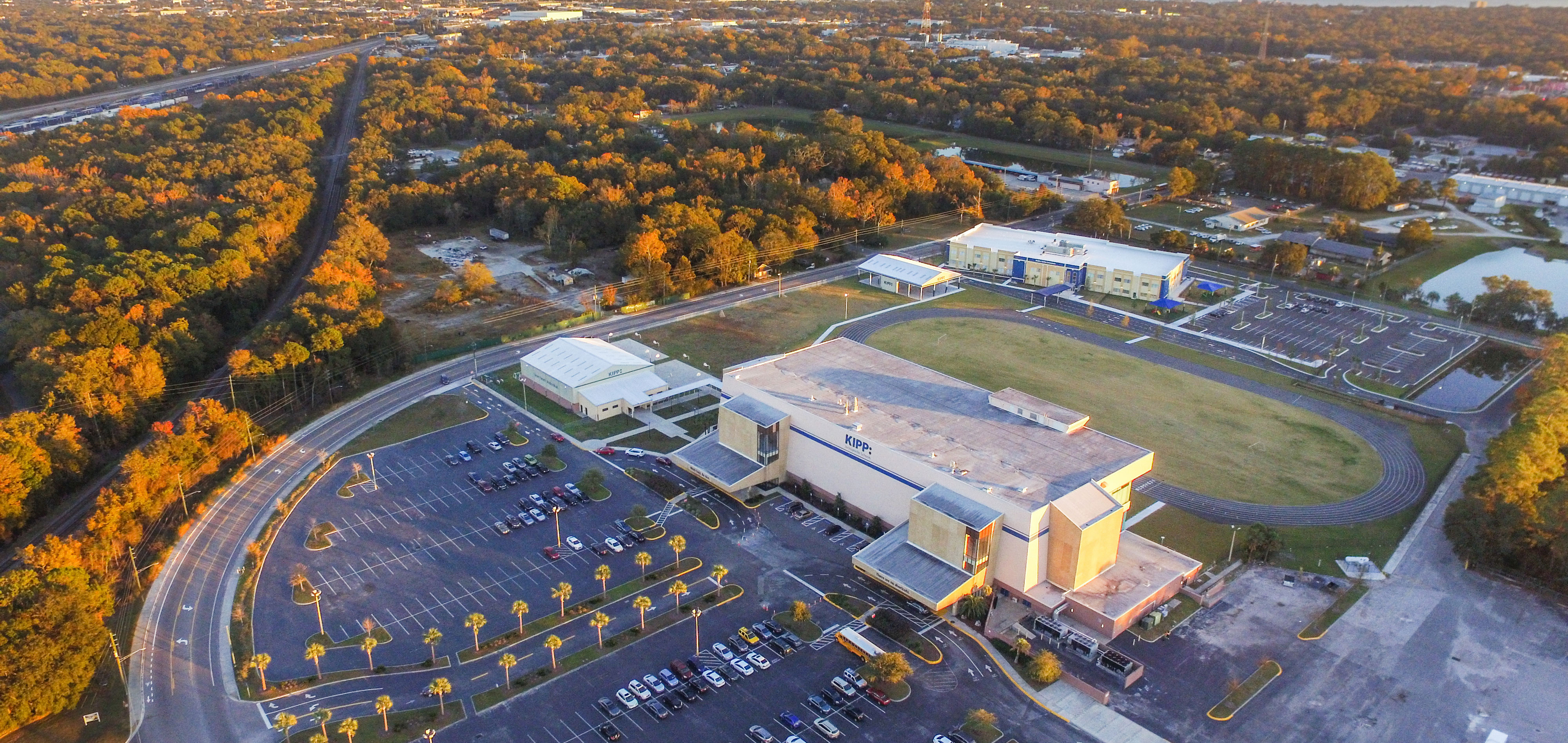 KIPP-Jacksonville-Campus-With-Skyline
